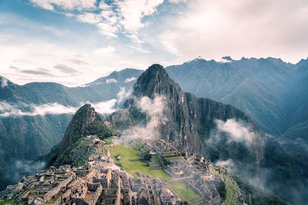Visite du Machu Picchu après une randonnée sur l'Inca jungle trail dans notre article Randonnée sur l'Inca jungle trail : Mon trek au Machu Picchu en famille #randonnee #trek #incajungletrail #machupicchu #perou #ameriquedusud #unesco