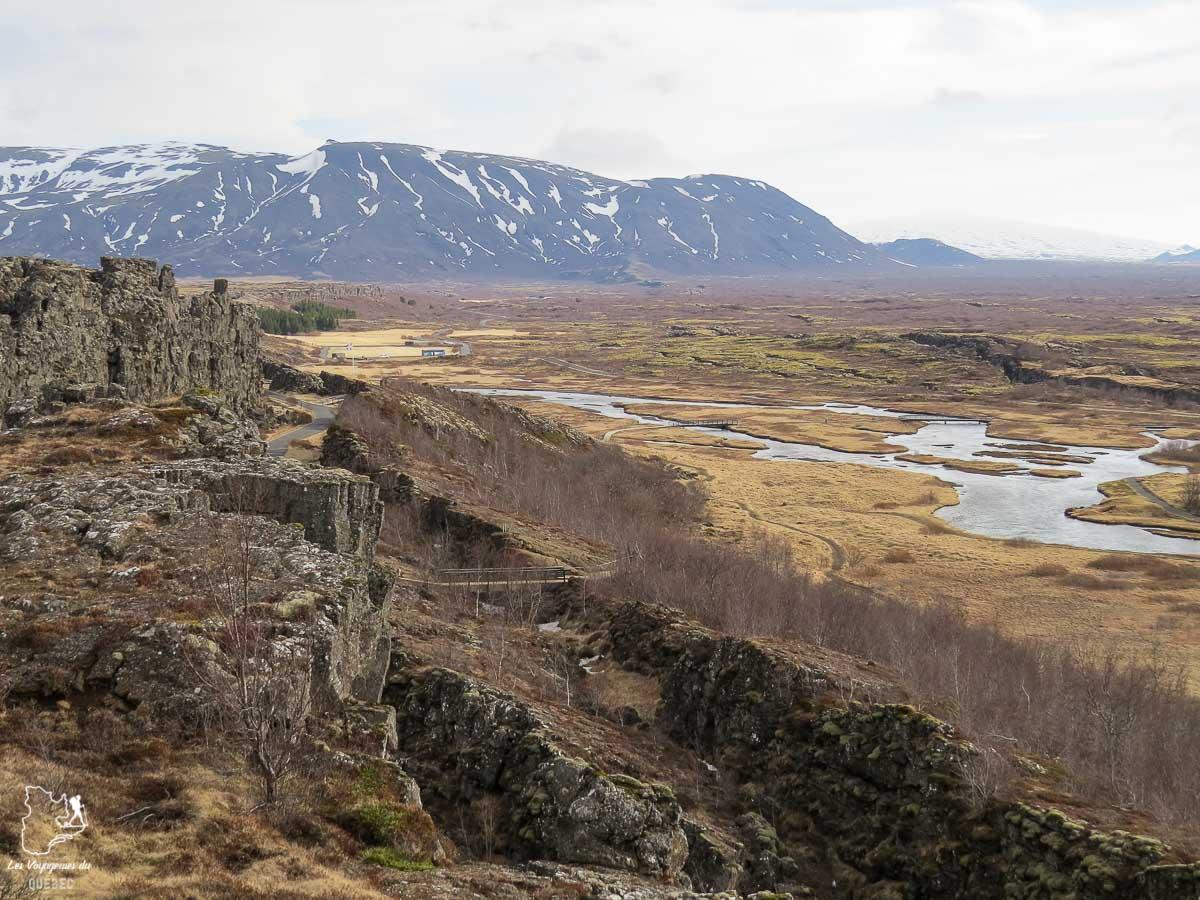 Parc national Thingvellir à visiter en Islande dans notre article Une semaine en Islande : Mon expérience à visiter l'Islande en solo #islande #unesemaine #voyage #europe #voyageensolo