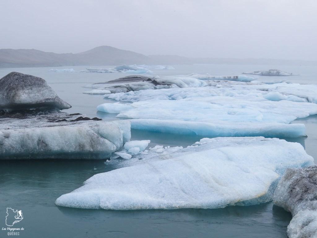 Lagune glaciaire Jokülsárlón dans notre article Une semaine en Islande : Mon expérience à visiter l'Islande en solo #islande #unesemaine #voyage #europe #voyageensolo