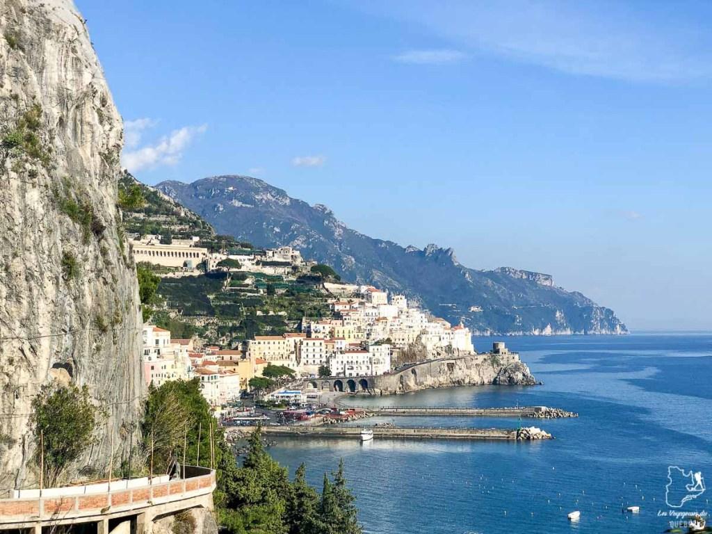 Visiter la Côte Amalfitaine depuis Naples dans notre article Que faire à Naples en Italie et voir : Visiter Naples, Pompéi et la Côte Amalfitaine #naples #italie #europe #voyage #pompei #coteamalfitaine
