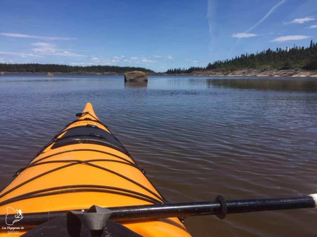 Kayak sur la Côte-Nord dans notre article Visiter la Côte-Nord au Québec : mes coups de cœur tout en nature #cotenord #quebec #canada #nature