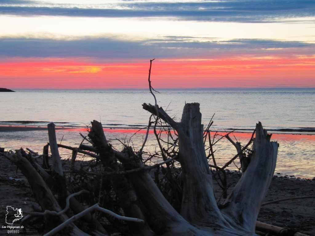 Coucher de soleil sur la Côte-Nord dans notre article Visiter la Côte-Nord au Québec : mes coups de cœur tout en nature #cotenord #quebec #canada #nature
