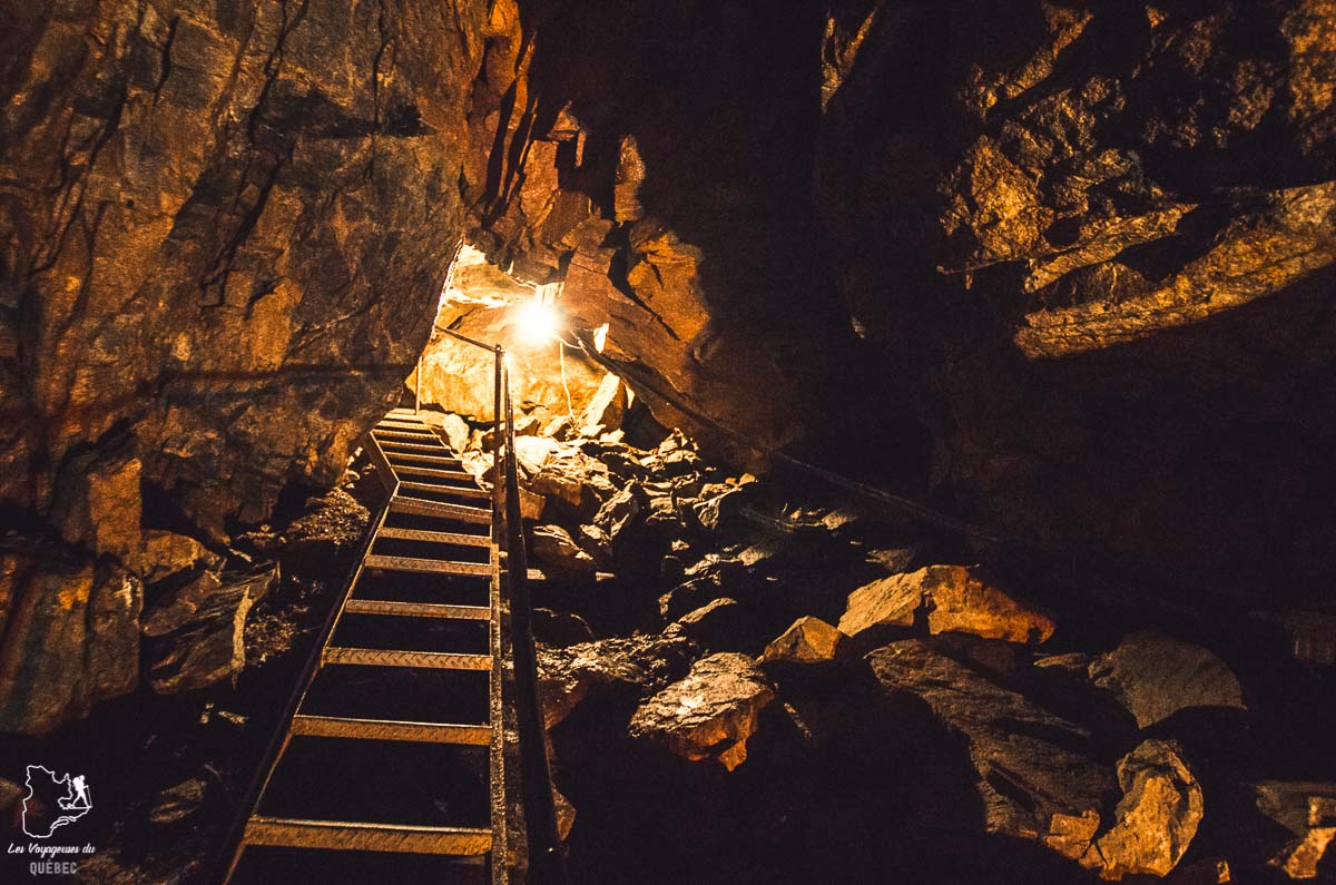 Caverne Trou de la Fée dans notre article Tourisme au Saguenay-Lac-Saint-Jean : Itinéraire complet pour 5 jours de road trip dans le région #saguenay #lacsaintjean #saguenaylacsaintjean #quebec #quebecoriginal #canada #roadtrip