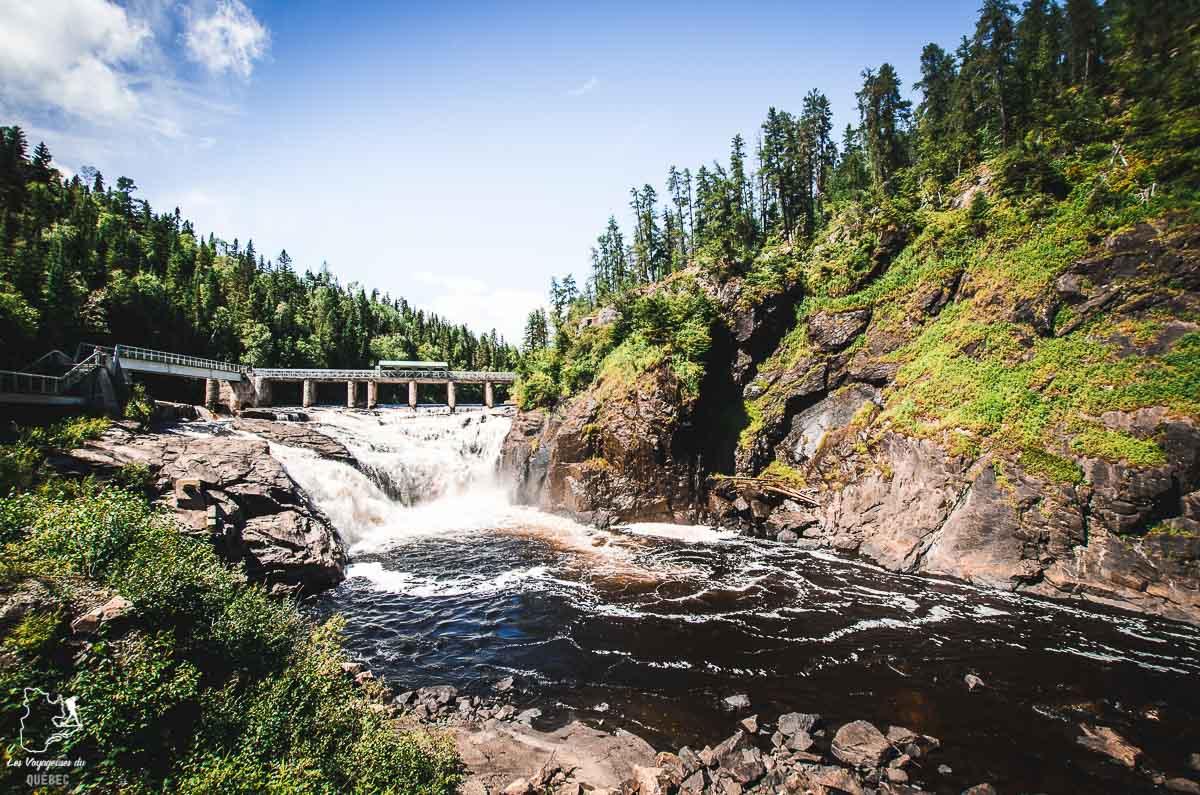 Rivière Metabetchouan au Saguenay-Lac-Saint-Jean dans notre article Tourisme au Saguenay-Lac-Saint-Jean : Itinéraire complet pour 5 jours de road trip dans le région #saguenay #lacsaintjean #saguenaylacsaintjean #quebec #quebecoriginal #canada #roadtrip