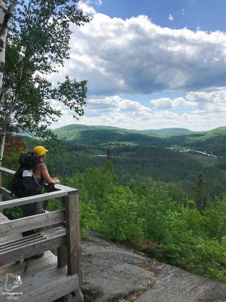 Paysage sur le Mont Prud'homme dans notre article Randonnée dans Lanaudière : 100 km sur le sentier national (sentier de la Matawinie) #randonnee #lanaudiere #matawinie #sentiernational #quebec #canada