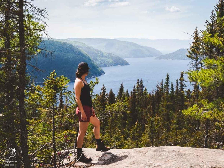 Randonnée sur le sentier le Fjord dans le Parc national Fjord-du-Saguenay dans notre article Tourisme au Saguenay-Lac-Saint-Jean : Itinéraire complet pour 5 jours de road trip dans le région #saguenay #lacsaintjean #saguenaylacsaintjean #quebec #quebecoriginal #canada #roadtrip