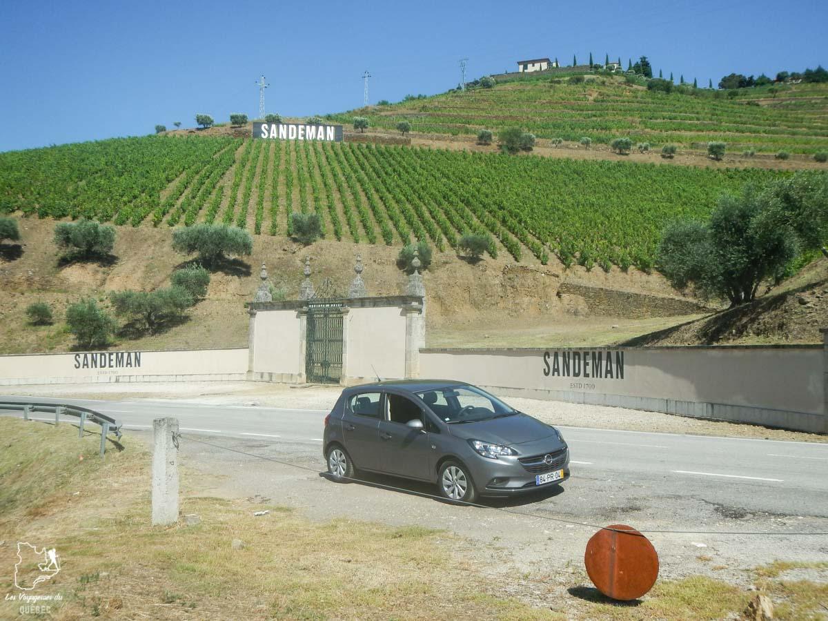 Sandeman dans la Vallée du Douro dans notre article Visiter Porto au Portugal et la Vallée du Douro : Que faire en 7 incontournables #porto #valleedudouro #portugal #europe #voyage