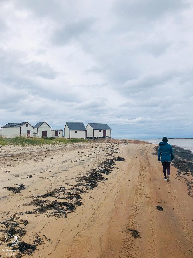 Plage du site patrimonial des Galets à Natashquan dans notre article Road trip sur la Côte-Nord au Québec : Itinéraire voyage de 10 jours en van #cotenord #quebec #bonjourquebec #canada #roadtrip #voyage