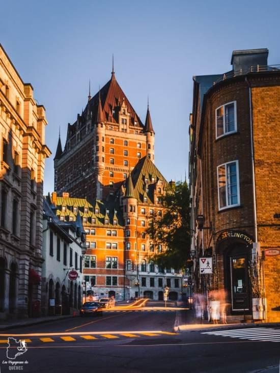 Photographier le château Frontenac à partir de la rue du Fort dans notre article Visiter Québec à travers ses plus beaux points de vue : 12 endroits où photographier la ville de Québec #quebec #villedequebec #canada #photographie