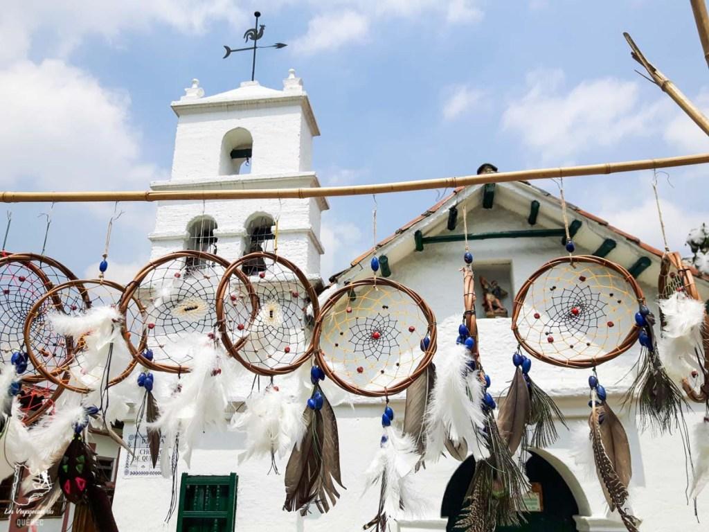 Église de la Plazoleta del Chorro de Quevado à Bogota dans notre article Voyage en Colombie : 3 semaines à voyager seule en Colombie à Bogotá, Carthagène et San Andrés #colombie #ameriquedusud #voyagerseule #voyage #bogota #carthagene #sanandres