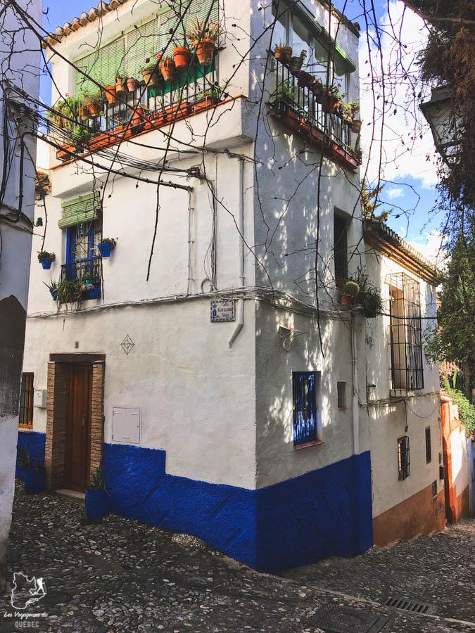 Quartier de l'Albaicin à Grenade dans notre article Voyage au sud de l'Espagne : Itinéraire de 2 semaines à visiter en mode backpack #espagne #sudespagne #malaga #seville #grenade #europe #voyage #itineraire #backpack