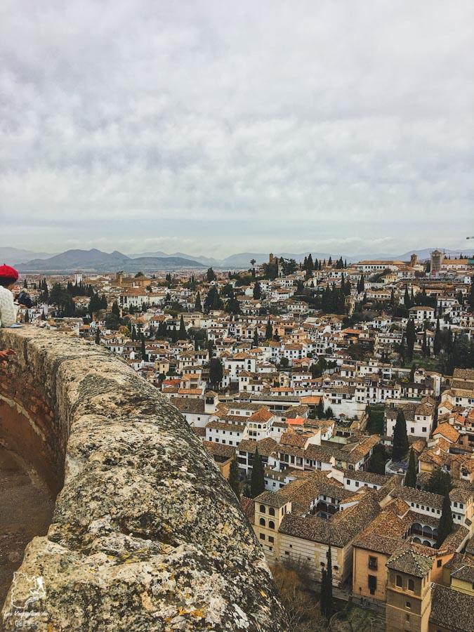 Vue sur Grenade depuis Alhambra dans notre article Voyage au sud de l'Espagne : Itinéraire de 2 semaines à visiter en mode backpack #espagne #sudespagne #malaga #seville #grenade #europe #voyage #itineraire #backpack