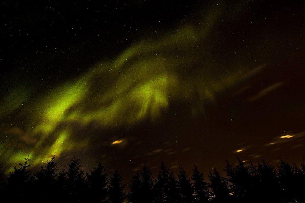 Les aurores boréales au Yukon dans notre article Visiter le Yukon en hiver : quoi faire au Yukon durant la saison hivernale #yukon #hiver #canada #voyage