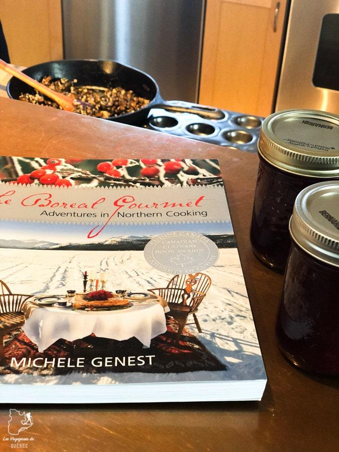 Cours de cuisine boréale au Yukon dans notre article Visiter le Yukon en hiver : quoi faire au Yukon durant la saison hivernale #yukon #hiver #canada #voyage