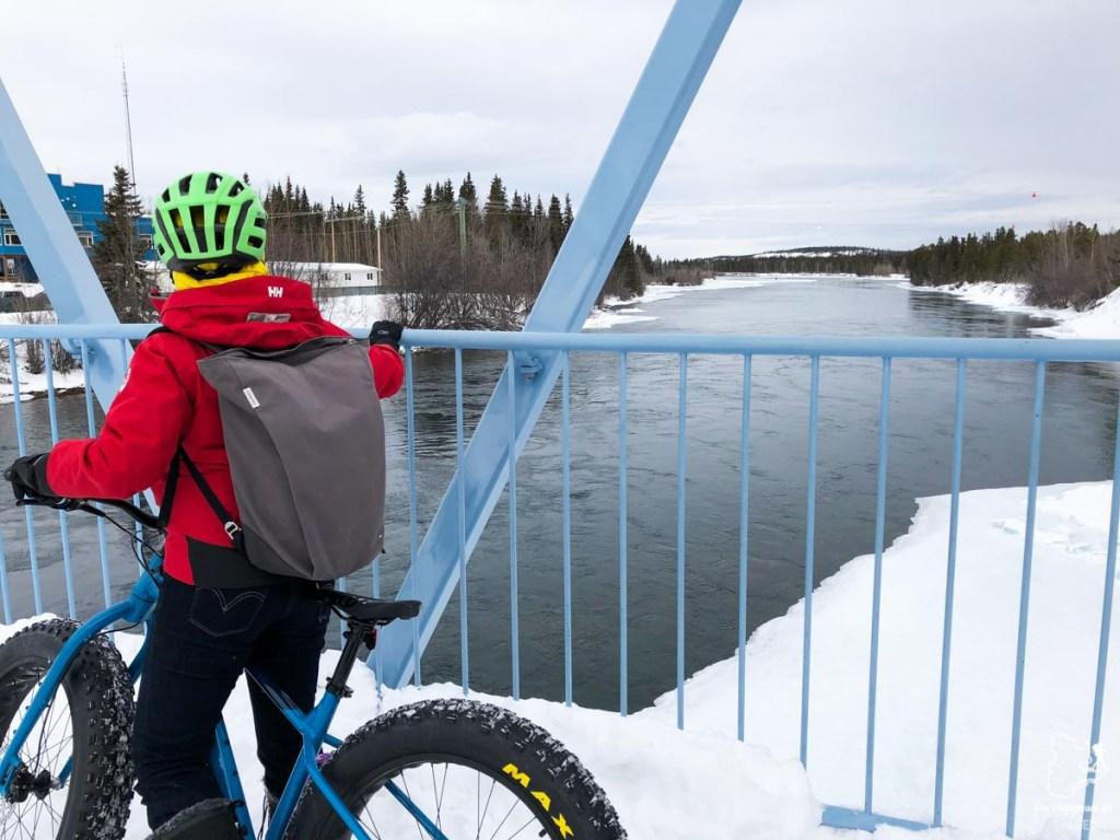 Découvrir Whitehorse en fatbike dans notre article Visiter le Yukon en hiver : quoi faire au Yukon durant la saison hivernale #yukon #hiver #canada #voyage