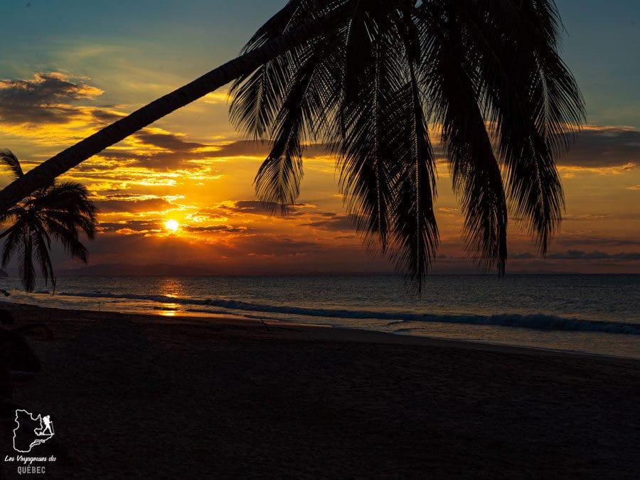 Coucher de soleil à Las Terrenas en République Dominicaine dans notre article Voyager en République Dominicaine autrement : Las Terrenas, destination coup de coeur #republiquedominicaine #caraibes #antilles #amerique #voyage #voyagedanslesud #lasterrenas