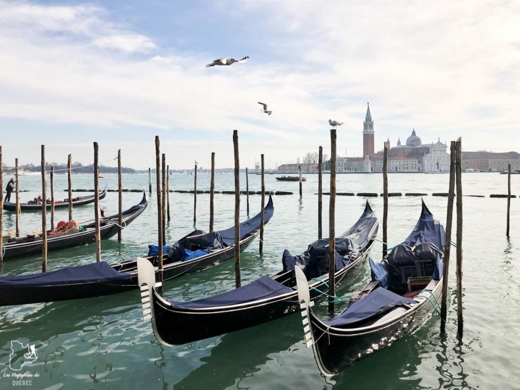 Les gondoles de Venise dans notre article Visiter Venise en 4 jours : Que voir et que faire à Venise en Italie #venise #venetie #italie #voyage #europe