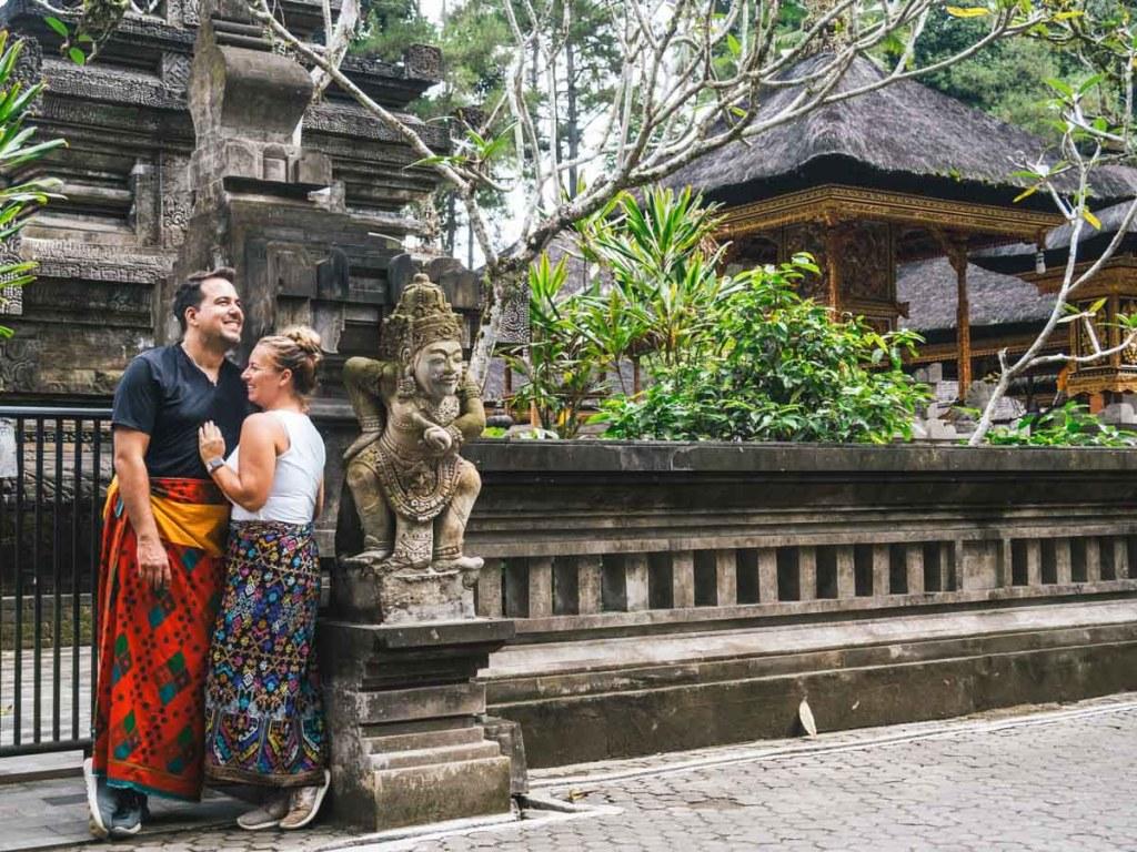 Blogueurs Nomade amoureux dans notre article Voyager par procuration : 10 manières de se sentir en voyage à la maison #voyager #voyage #chezsoi #procuration