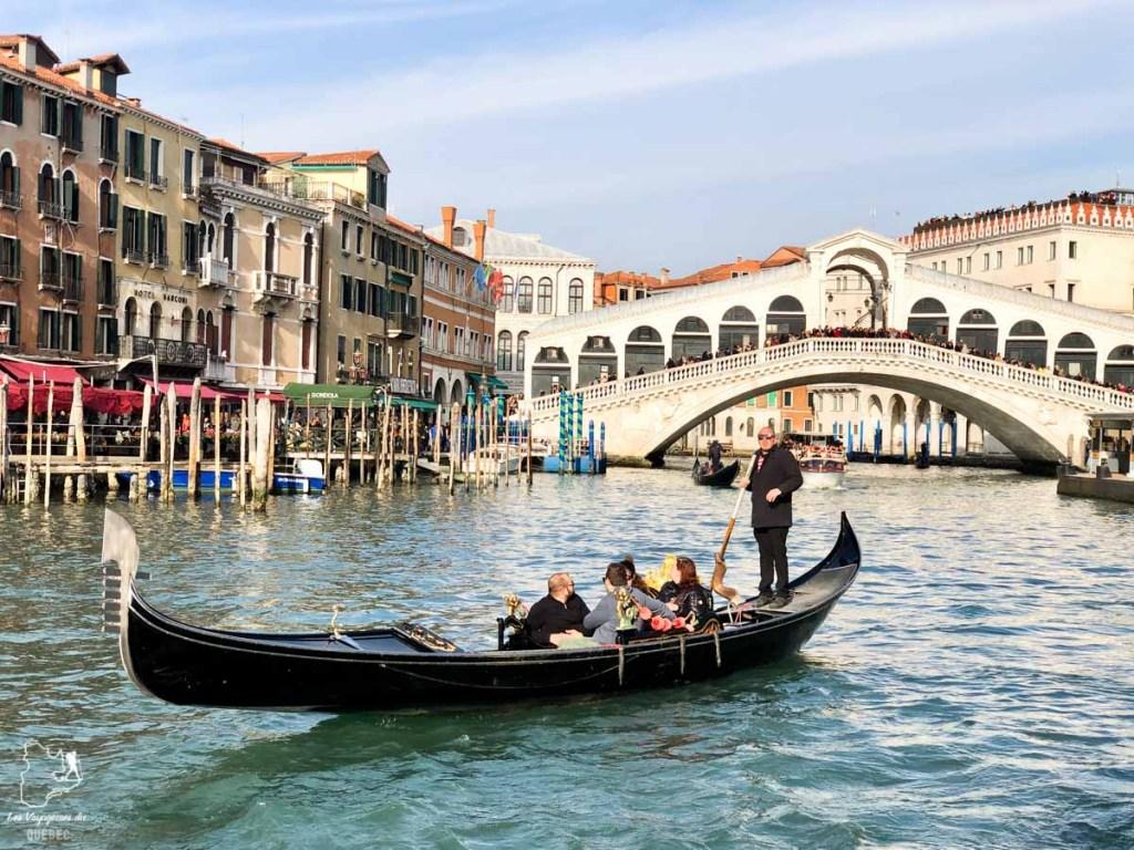 Le Pont Rialto à Venise dans notre article Visiter Venise en 4 jours : Que voir et que faire à Venise en Italie #venise #venetie #italie #voyage #europe