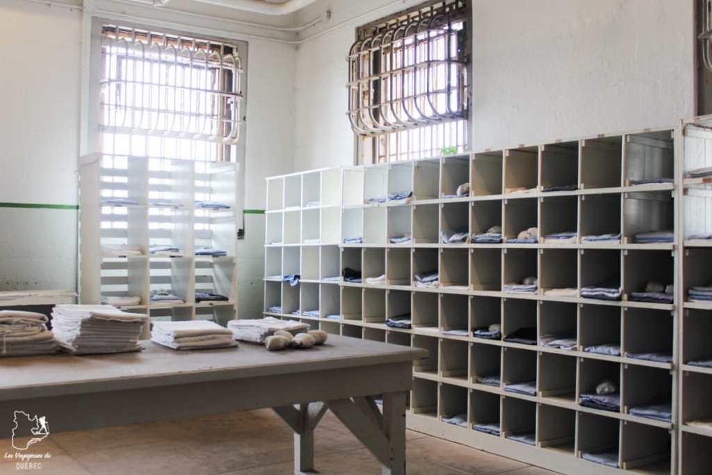 Blanchisserie à la prison d'Alcatraz à San Francisco dans notre article Visiter Alcatraz : Tout savoir sur la visite de cette prison de San Francisco #alcatraz #ile #sanfrancisco #californie #usa #etatsunis #prison