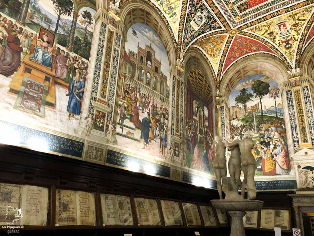 Bibliothèque Piccolomini dans la cathédrale de Sienne en Italie dans notre article Visiter Sienne en Toscane en Italie en 10 incontournables et adresses foodies #italie #sienne #toscane #voyage
