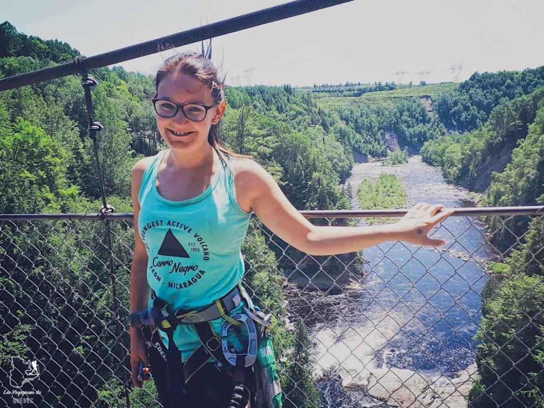 Activité de via ferrata au Canyon Sainte-Anne dans notre article 6 activités à faire au Québec pour les amatrices de sensations fortes #activites #quebec #canada #sportextreme #adrenaline