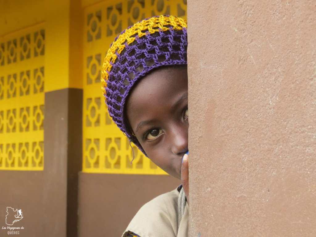 Femme rencontrée au Bénin en Afrique dans notre article Voyage au Bénin: Le Bénin en Afrique en 8 incontournables à visiter #benin #afrique #voyage