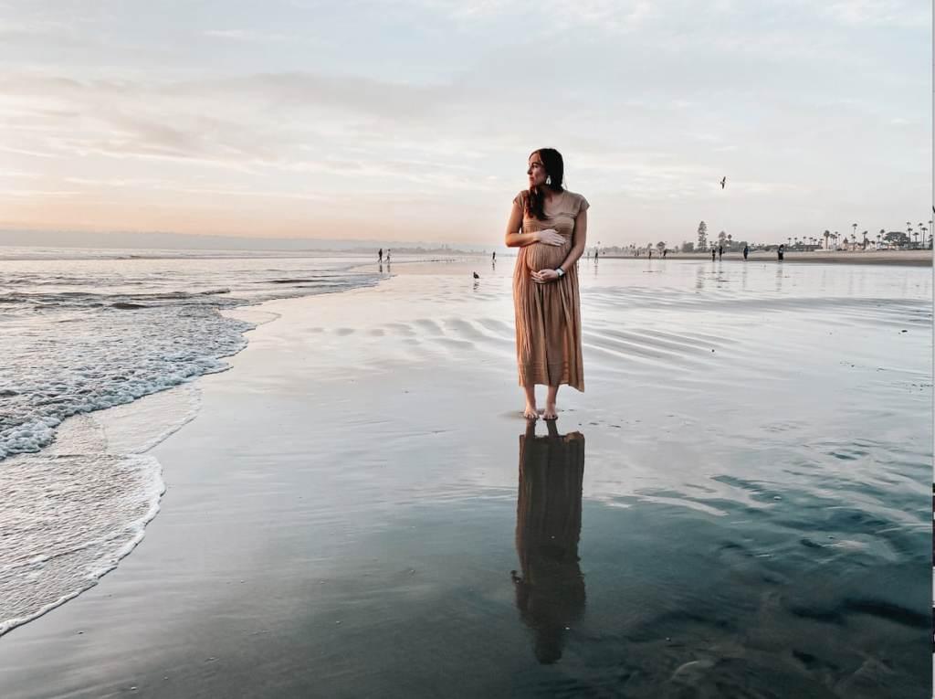 Conseils pour voyager durant sa grossesse dans notre article Voyage et grossesse : Planifier son voyage lorsqu'on est une femme enceinte #grossesse #enceinte #voyage #conseils