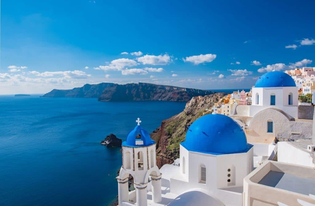 Les îles grecques, une destination idéale pour femme enceinte dans notre article Voyager en étant enceinte : 26 destinations idéales pour une femme enceinte #enceinte #grossesse #voyage #destinations