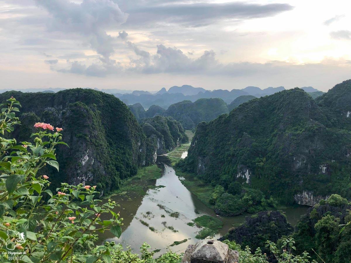 Dragon mountain à Tam Coc au Vietnam dans notre article Oser partir en voyage au bout du monde malgré des barrières #voyage #oservoyager