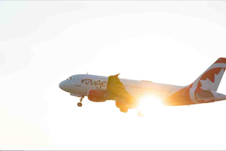Réserver ses vols avec Air Canada pour cumuler des points Aeroplans dans notre article 10 astuces pour payer son billet d'avion moins cher et économiser sur son vol #vol #avion #billetavion #economie #pascher #voyage