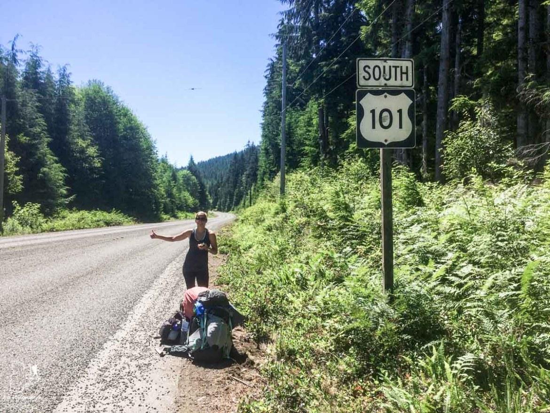 Faire du pouce sur la route 101 au Canada dans notre article Voyage en auto-stop : De l'Alaska à la Californie sur le pouce, une aventure humaine #autostop #pouce #voyage #usa #canada