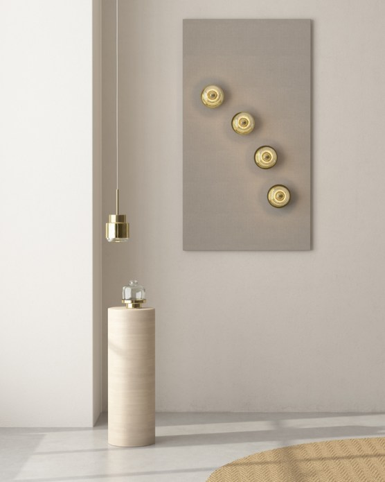 By adding wall fixures next to each other you can create your personalized arrangement