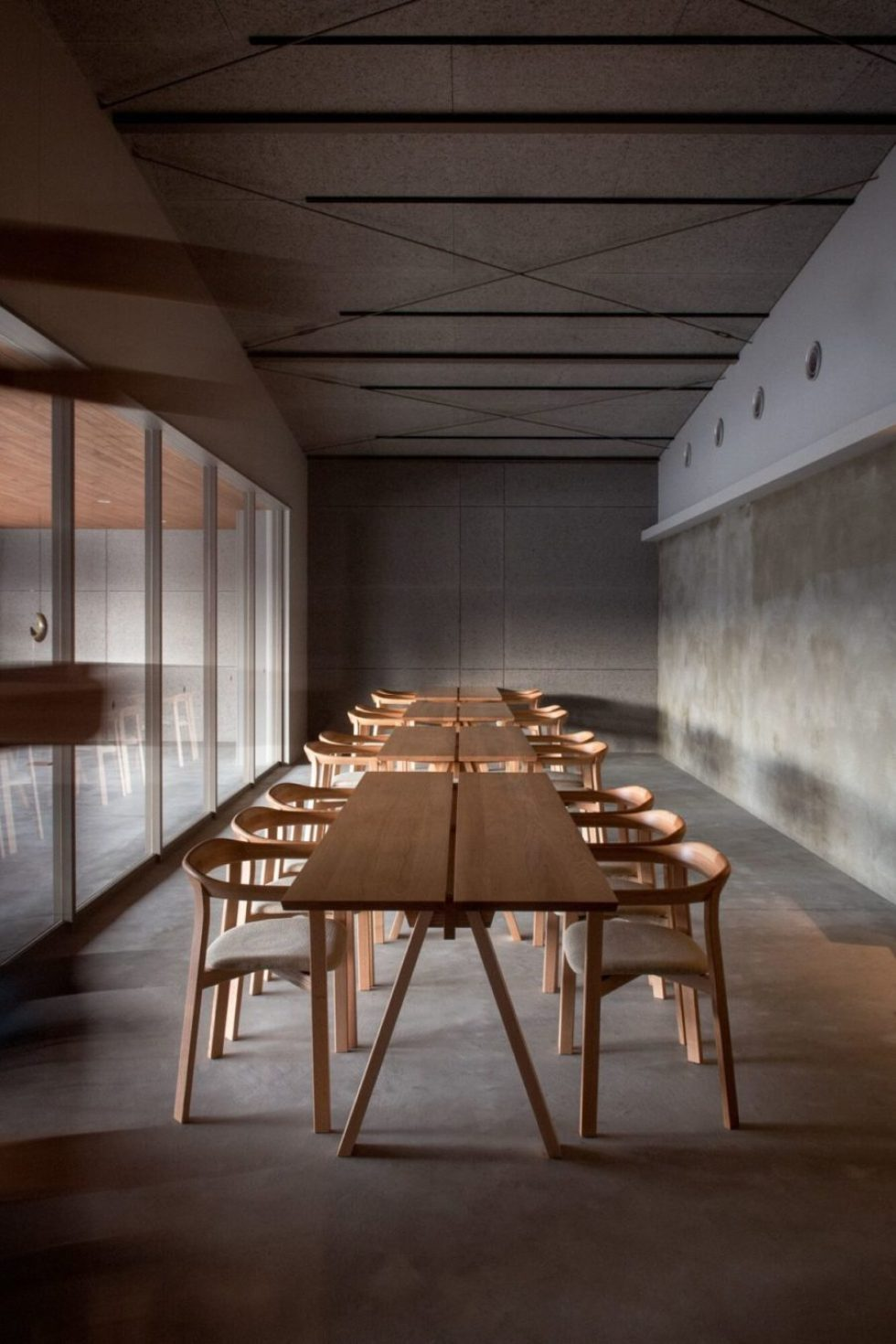 oak chairs and tables ariake