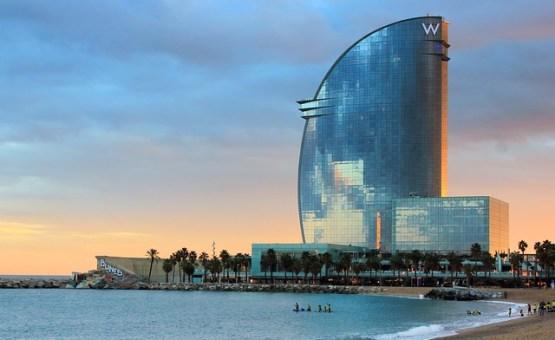 Barcelona-Z_letalom_na_poti