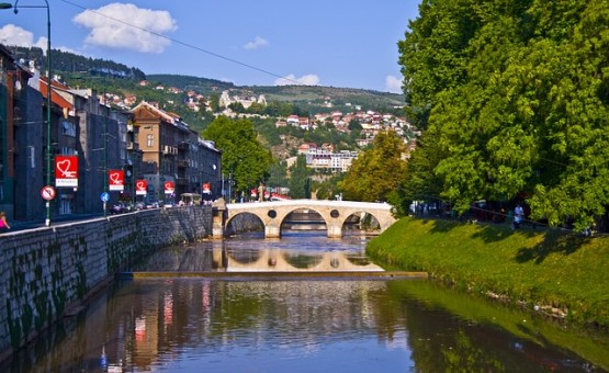 Sarajevo - Z letalom na poti