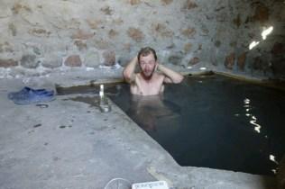 où David se lave dans de l'eau a 45°C