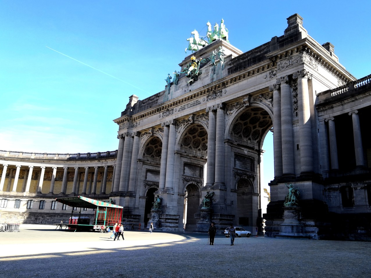 Brusel - Parc du Cinquantenaire - Royal Museum of the Armed Forces and of Military History