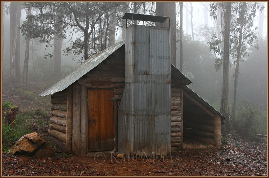 Tomahawk-Hut