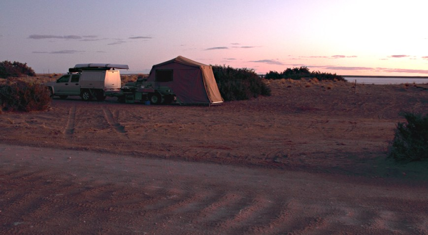 Campsite-at-Lake-Eyre