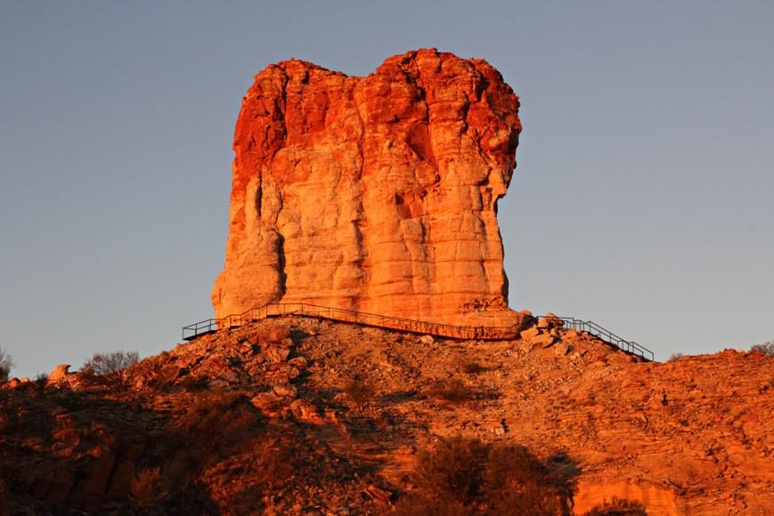 Sunset-at-Chambers-Pillar