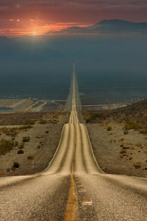 Resultado de imagem para pego a estrada sem fim