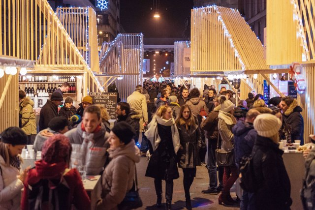 Market in Martićeva
