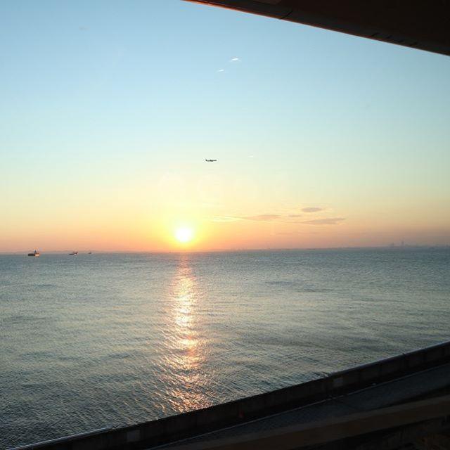 いつもと違う海の景色。寒かったけど、綺麗だった! (Instagram)