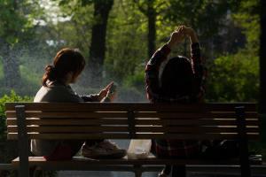 outside bench talking girls