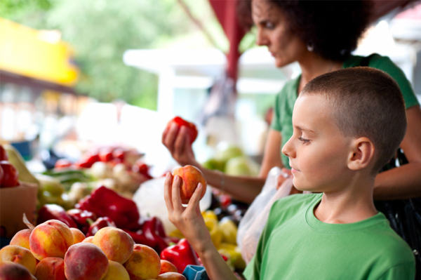 mom-and-boy-at-farmers-market