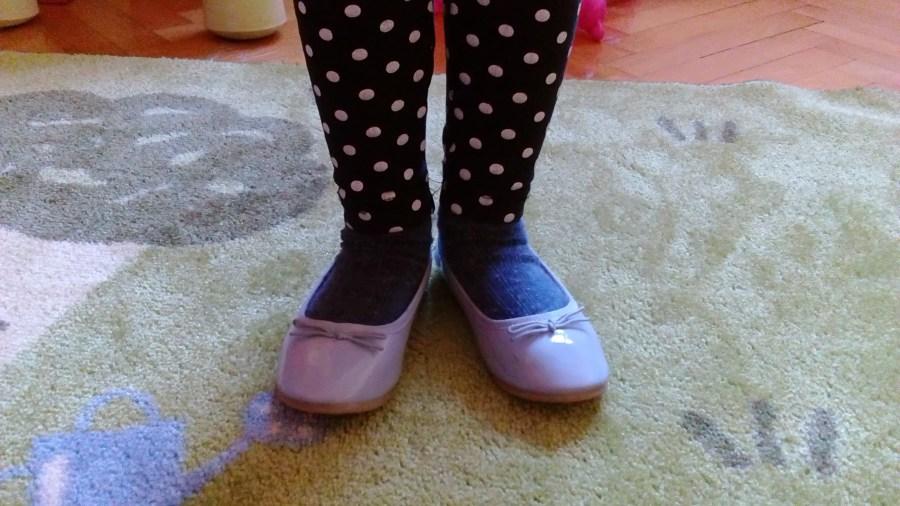 "ALT: ""Plave cipelice i sreća"""