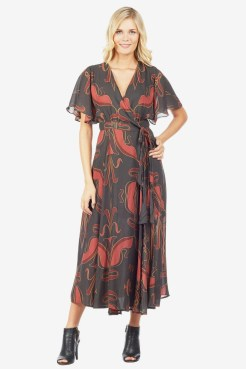 https://letote.com/clothing/4087-printed-wrap-dress