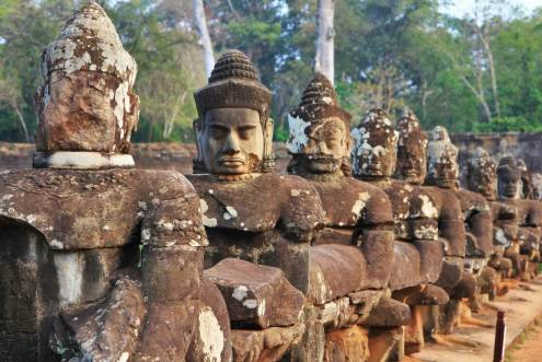 Statues Temple Angkor