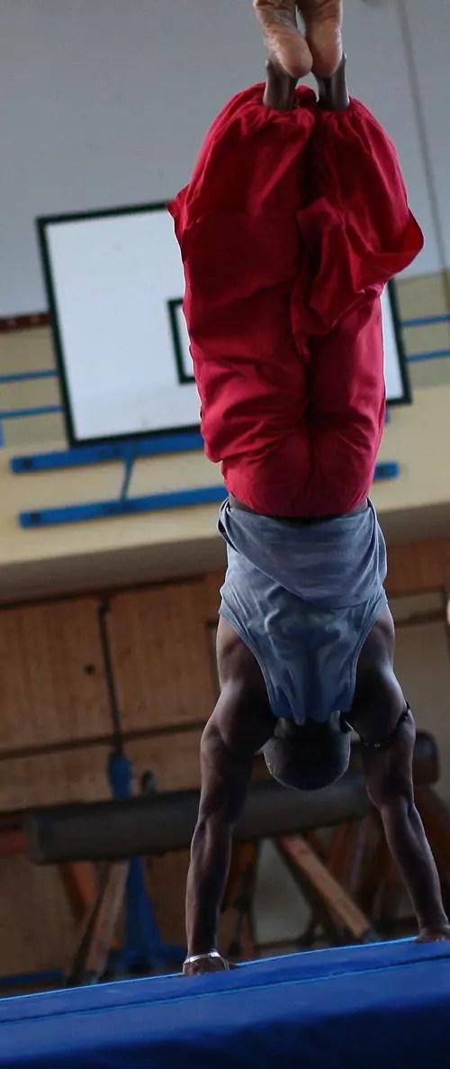 ecole_de_cirque_formations_amateur_Paris_Ahmed-Said_Pratique_letourdumondeengalipette